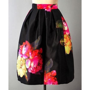 Dresses & Skirts - Flower Flared Skirt